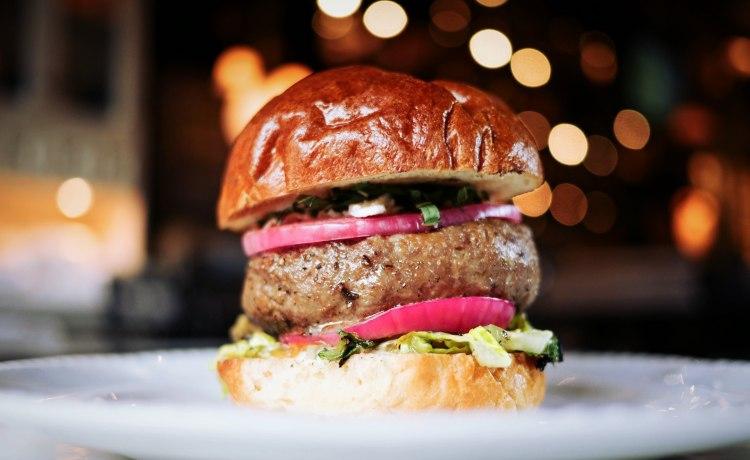 Hambúrguer traz impactos ambientais