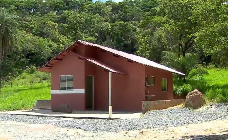 Casa feita com tijolo de rejeito