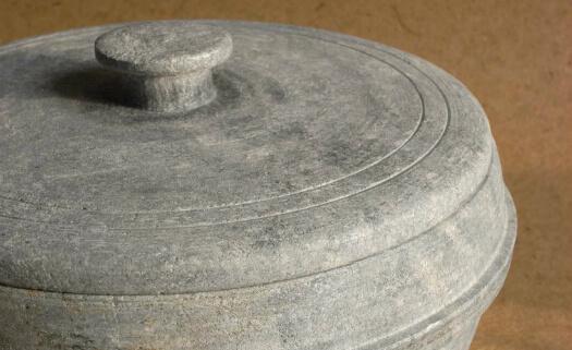 Panela de pedra-sabão